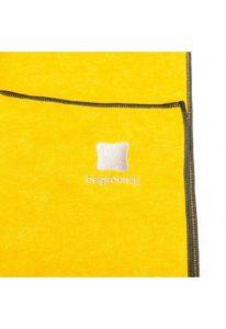 yoga towel freesia logo